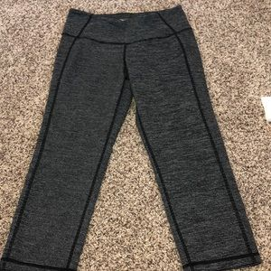 black and gray striped cropped leggings